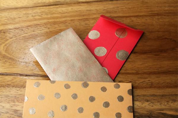 Hecho a mano sobres decorados ceja g era - Como decorar un sobre ...
